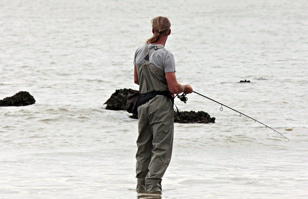 homme qui pêche